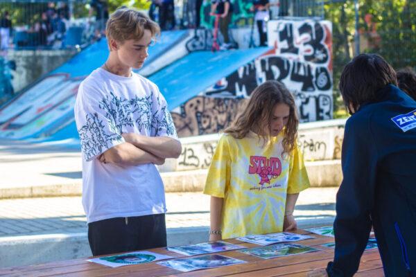 Jugendliche vom Skatepark beteiligen sich beim Wahltalk