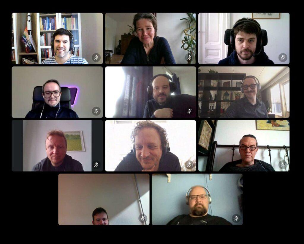 Screenshot der Videokonferenz der 11 Teilnehmer_innen, die bei der online-Studienreise dabei waren.